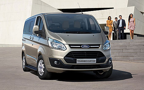 FORD TOURNEO CUSTOM 9 Plazas